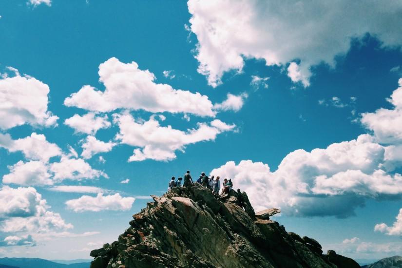 adventure-blue-sky-climbing-363-825x550